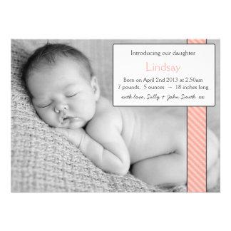 Ruban de rose d'annonce de bébé de modèle photo faire-parts