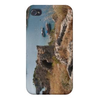 Ruines de sépulture antique sur la petite île étui iPhone 4