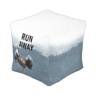 Run away pouf