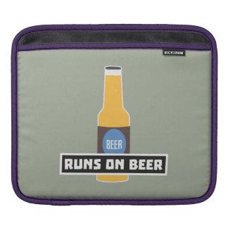Runs on Beer Z7ta2 iPad Sleeve