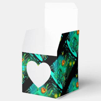 RUSSS ALIEN CARTOON HEART 2x2 Favor Box