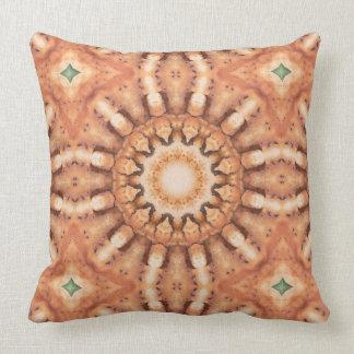 Rust-Mandala, ROSTart  728 Throw Pillow