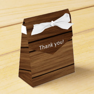 Rustic wood farm country favors boxes