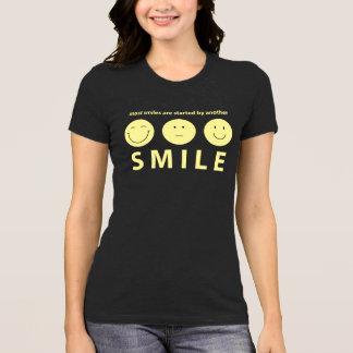 S M I L E T-Shirt