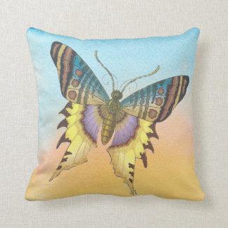Sadee 631 Art Throw Pillow
