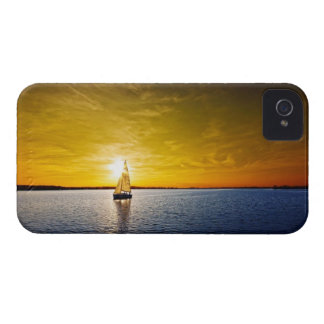 Saling Sunset Case-Mate iPhone 4 Case