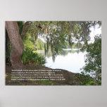 Salmos 1:1-3 (Cartel con Rio y Arbol Horizontal) Poster