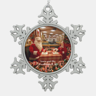 Santa and Mrs. Frankenmuth, MI Snowflake 1 Pewter Snowflake Ornament