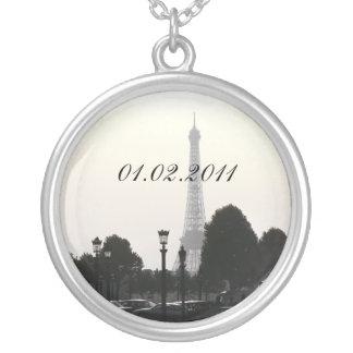 Save The Date Photo pendant Paris Eiffel Tower B&W
