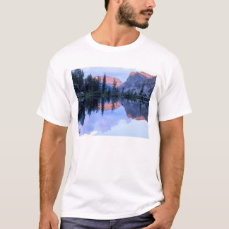 Sawtooth Wilderness, Idaho. USA. Cumulus T-Shirt