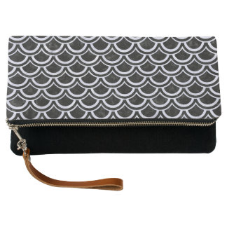 SCALES2 BLACK MARBLE & WHITE MARBLE CLUTCH