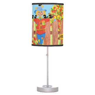 scarecrow fence scene i table lamp