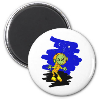 Scared little alien in space suit 2 inch round magnet