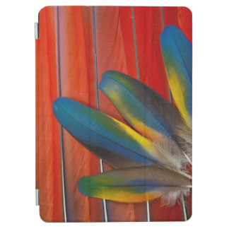 Scarlet Macaw Feather Design iPad Air Cover