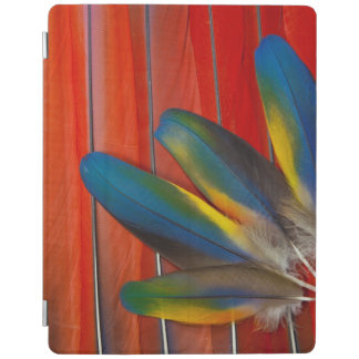 Scarlet Macaw Feather Design iPad Cover