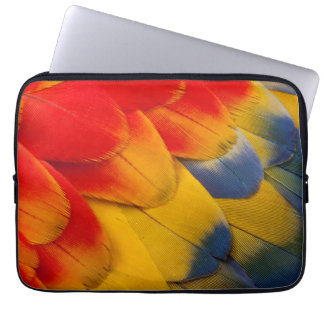 Scarlet Macaw feathers close-up Laptop Sleeve