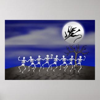 Scène éclairée par la lune de partie de Halloween Poster