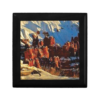 scenes of the snowy red rock gift box