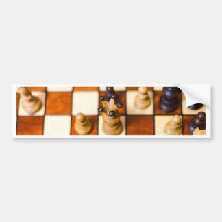 Schachbrett mit Dame im Vordergrund Bumper Sticker