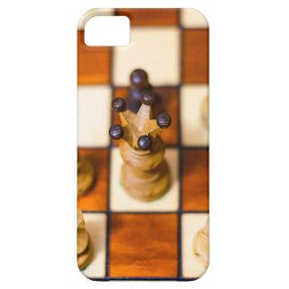 Schachbrett mit Dame im Vordergrund iPhone 5 Cover