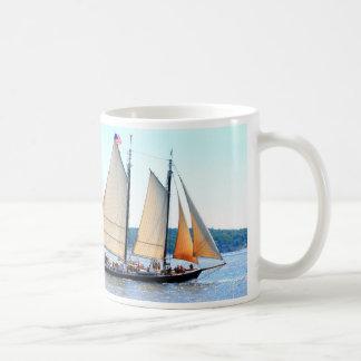 Schooner sailing mug