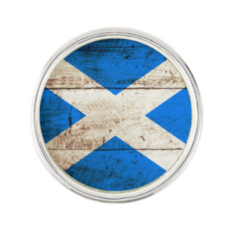 Scotland Flag on Old Wood Grain Lapel Pin