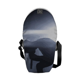Scream it out! courier bag