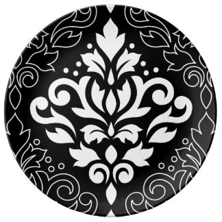 Scroll Damask Lg Wt on Blk with Outline Surround Plate