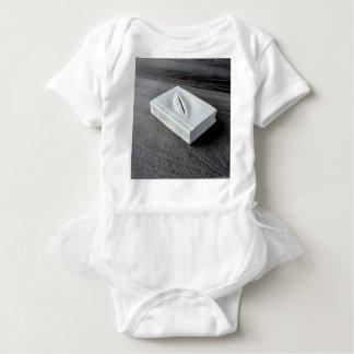 Sculptures designs baby bodysuit