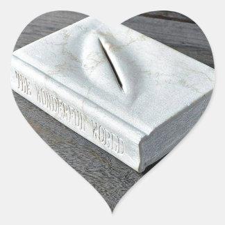 Sculptures designs heart sticker
