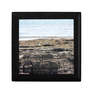 Sea and rocks gift box