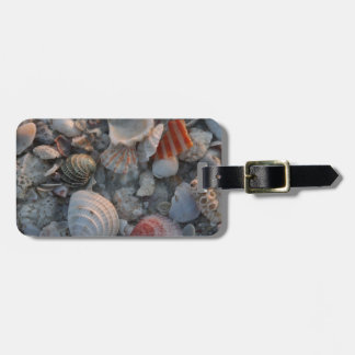 Sea shells on the sand luggage tag