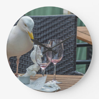 Seagull and empty glasses wall clock