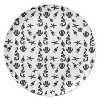 Seahorse pattern party plate
