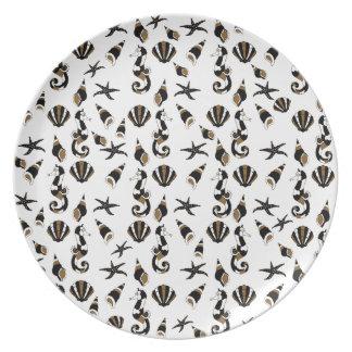 Seahorse pattern plate