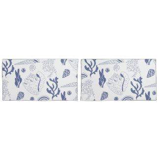 Seamless pattern with sea shells pillowcase