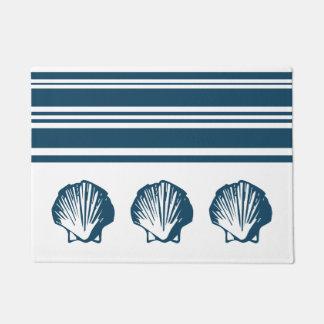 Seashells and stripes doormat
