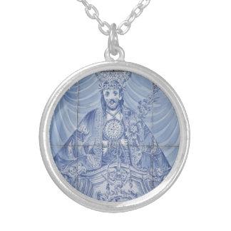 Senhor Santo Cristo Round Pendant Necklace