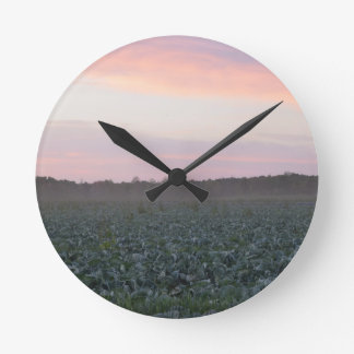 Serene_country_background.JPG Round Clock