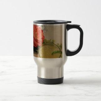 S'est levée et la margarita tasse à café