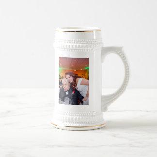 S'est levée et la tasse de Stein du mariage