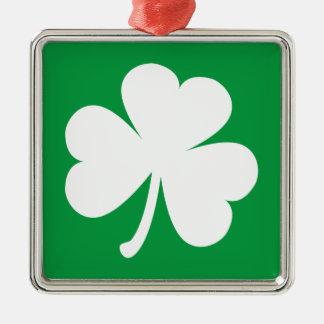 Shamrock irlandais personnalisable ornement carré argenté