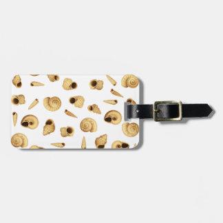 Shell pattern luggage tag