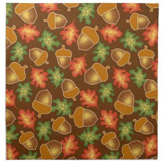 Shiny autumn atmosphere with acorns and oak leaf napkin