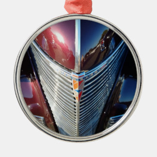 Shiny Chrome Grille of Chevrolet Hot Rod Silver-Colored Round Ornament