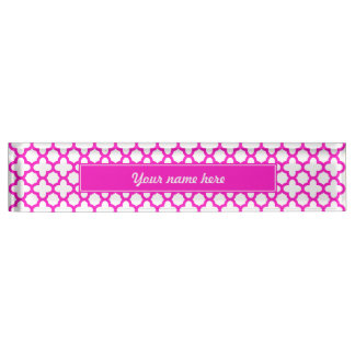 Shocking Pink Quatrefoil Pattern Nameplate