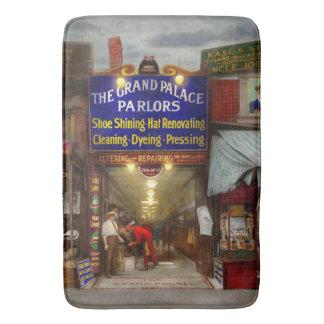 Shoeshine - The Grand Palace Parlors 1922 Bath Mat