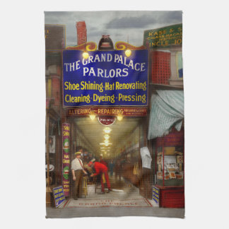 Shoeshine - The Grand Palace Parlors 1922 Kitchen Towel