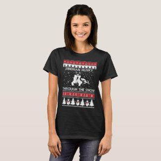 Siberian Husky Through The Snow T-shirt