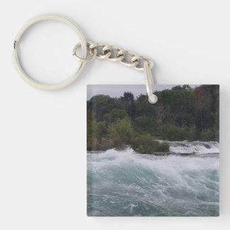 Sightseeing at Niagara Falls Keychain